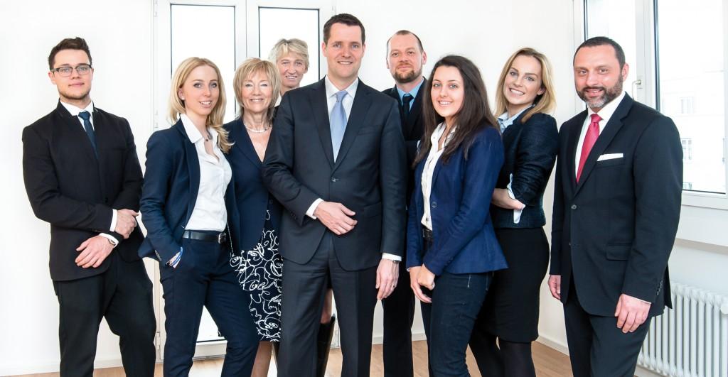 Peter Hegerich (Mitte) mit Team